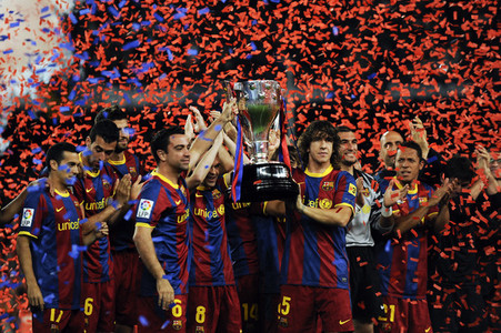 How many times did Barcelona win the La Liga (including season 2010/11)?