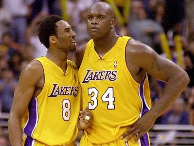 Shaquille O'Neal and one other player actually had a higher points per game average in the 1997 - 1998 season than Kobe Bryant. Who was the other player?