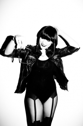 who did jessie j tour Europe with?