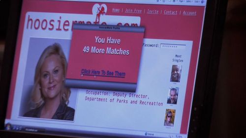 Which Tom Haverford perfil did Leslie get matched with on the dating site?