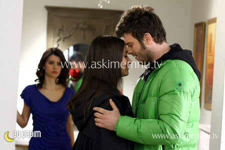 Are Behlul and Nihal kissing in this scene? - The ASK-I MEMNU ...