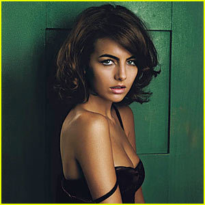 Camilla Belle choses...
