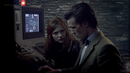 6x06: The Doctor that was beside Amy when they were next to the machine was the clone Doctor