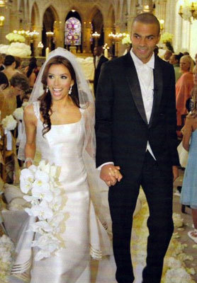 WHO DESIGNED HER WEDDING DRESS? - Eva Longoria
