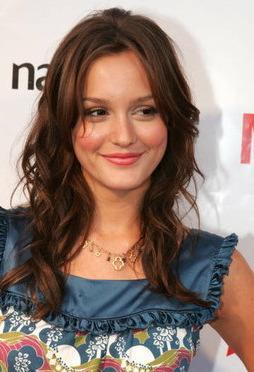 At what year was Leighton officially a professional actress?
