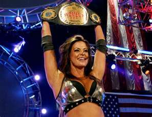 Who did Candice Michelle defeat to win the WWE Women&#39;s Championship?