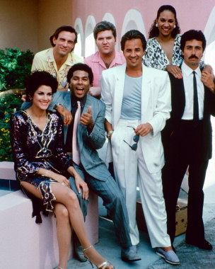 How much would Miami Vice spend to buy the rights to original recordings per episode