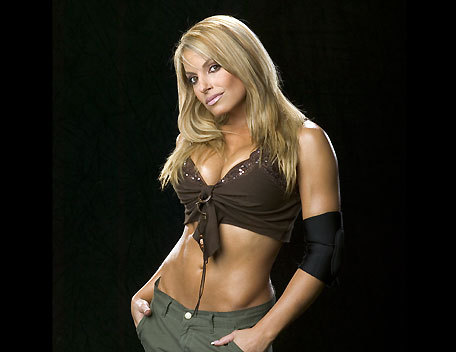 True ou False: Trish Stratus is undefeated at WWE's former PPV Unforgiven.
