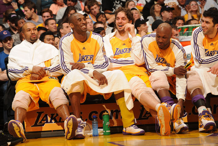 Who was the only Laker to finish in the hàng đầu, đầu trang 10 in the league in total double-doubles in the 2007 - 2008 regular season?