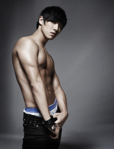 in 2009 lee joon has appeared in ninja 