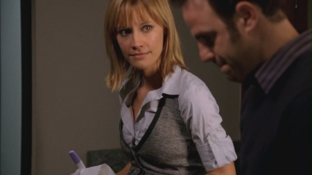 In episode 2x09...Know When to Fold. who thought charlotte might be pregnant first?