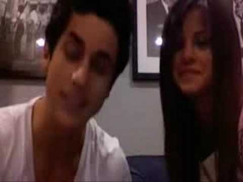 Who's CD did Selena and David make a  promotion vlog about in 2008?