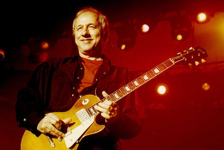 In what year did Mark Knopfler start his solo career?