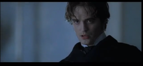 what's the name of the character Robert Pattinson plays in Bel Ami?