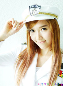 How old is Jessica when she debut?