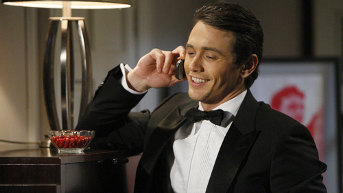On which soap opera does James Franco play a serial killer named Franco?