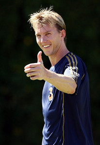 For which IPl team brett lee plays in 2011??