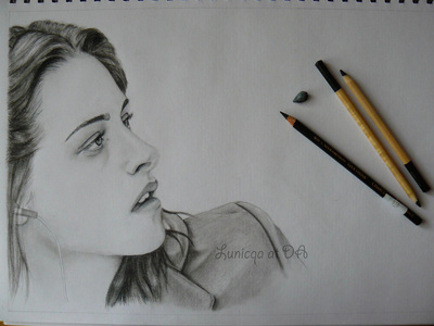 Jacob drew this for Bella just before he died in New Moon, true atau false