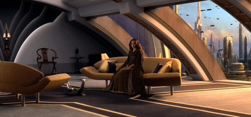 T/F: Was Padme penthouse apartment on Coruscant turn into a restaurant?