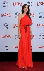 Who designed the dress Angelina wore to the LA premiere of The Tree of Life?