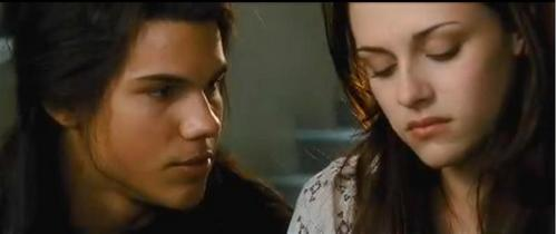 what does Jacob promise Bella in New Moon?