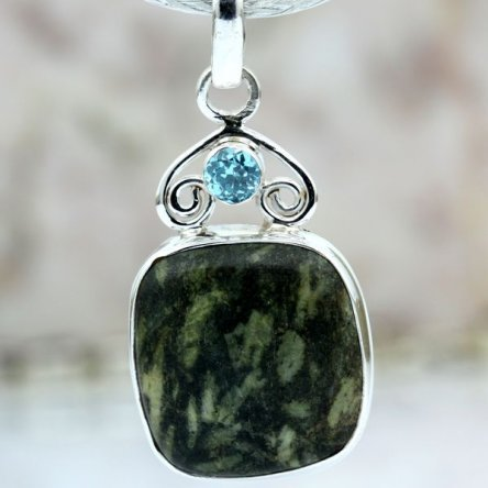 This pendant was made of Seraphinite.