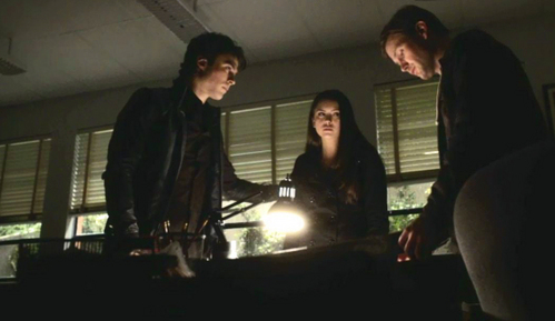 Elena gets to drive the 'getaway car' in Damon and Alaric's plan to save Stefan in what season 1 episode?