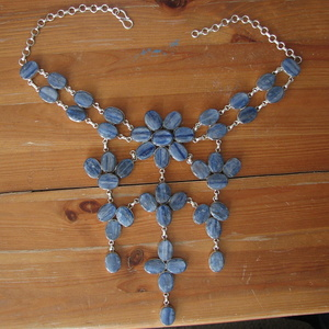 This necklace was made of Sapphire.