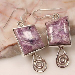 These earrings were made of Axstone.