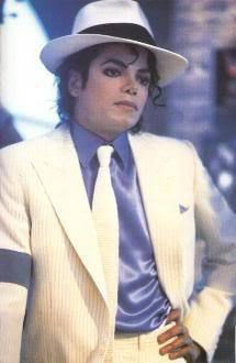 The start of SMOOTH CRIMINAL is actually Michaels own heartbeat???