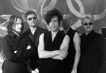 T/F : Indochine is the first French band to perform a concert in the Stade de France, on the 26 June 2010.