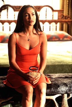 "Which actor's character was Jennifer's character, Grace, married to in the 1997 movie ""U Turn""?"