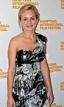 Britt Robertson born: