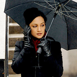 What is the name of the actress who plays Kalinda?