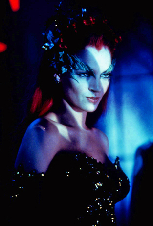 Who played Poison Ivy in the film, Бэтмен & Robin?