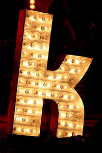"how many lights are on the ""K"" The Killers use on stage?"