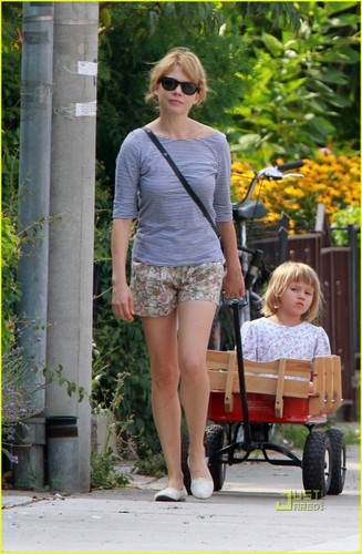 Matilda Ledger & Michelle Williams in Toronto Ontario