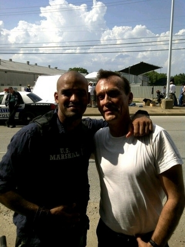 Amaury Nolasco and Robert Knepper on the set of 'Chase'