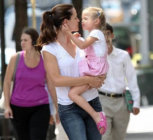 Jen & violet out and about in NYC!