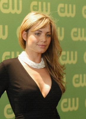 beautiful Erica Durance