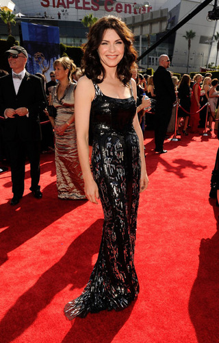 Julianna at the Red Carpet for Emmy 2010