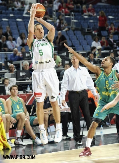 5-Jaka-LAKOVIC-Slovenia-basketball-15317914-400-549.jpg