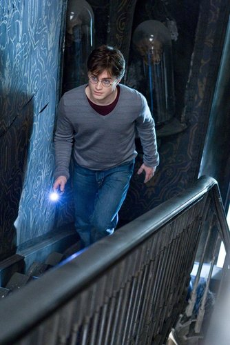 Harry in Grimmauld Place