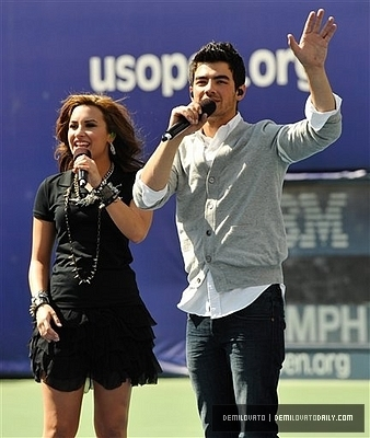Demi & Joe @ 2010 Arthur Ashe Kids dia