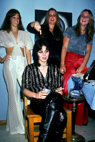 Joan, Jackie, Lita & Sandy Backstage @ CBGB - 1976