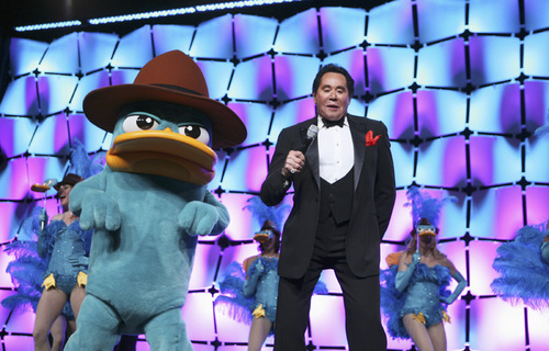 Wayne Newton sings the theme song of Phineas and Ferb with Perry the Platapus!!