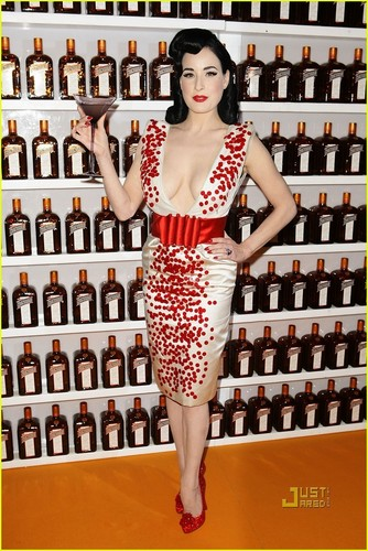Dita Von Teese: Cointreauversial Down Under!