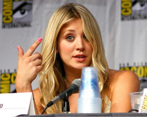 Kaley Cuoco-Comic-Con 2010