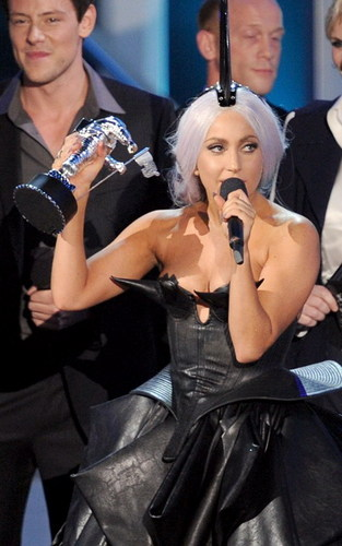 LADY GAGA WINS BIG AT THE MTV VIDEO MUSIC AWARDS