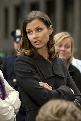 Bridget Moynahan as Erin Reagan - 1x01 Pilot Stills